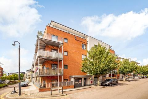2 bedroom apartment - Desvignes Drive, London, SE13