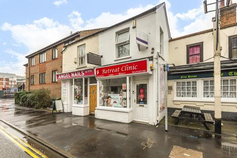 1 bedroom flat - Staines-Upon-Thames,  Surrey,  TW18