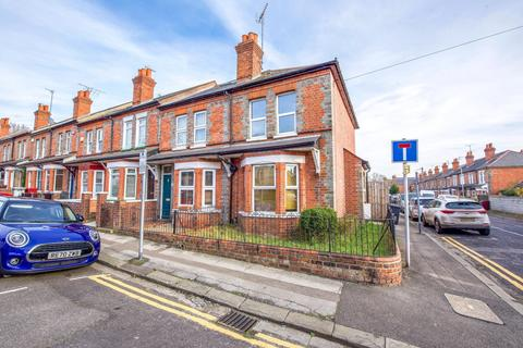 3 bedroom end of terrace house to rent - Cromwell Road, Caversham, Reading