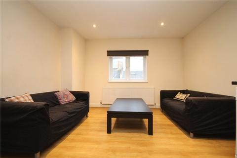 3 bedroom apartment - Garratt Terrace, London, SW17