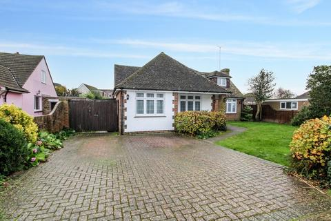 6 bedroom detached bungalow for sale - Goodwood Road, Worthing, West Sussex BN13 2RU