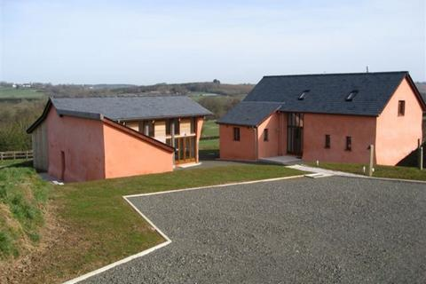 3 bedroom barn conversion to rent - CREDITON