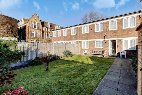 4 bedroom terraced house for sale - Clark Street, London, E1