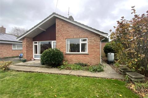 3 bedroom detached bungalow for sale - The Moorlands, Devizes, Wiltshire, SN10