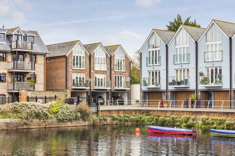 3 bedroom end of terrace house for sale - Canal Wharf, Chichester, West Sussex
