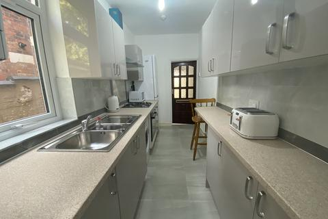 4 bedroom house to rent - Western Road, Leicester,