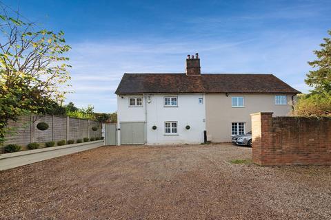 3 bedroom semi-detached house - Macers Cottage, Broxbourne, EN10