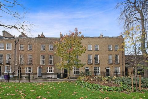 3 bedroom townhouse for sale - Paradise Row, Bethnal Green, E2