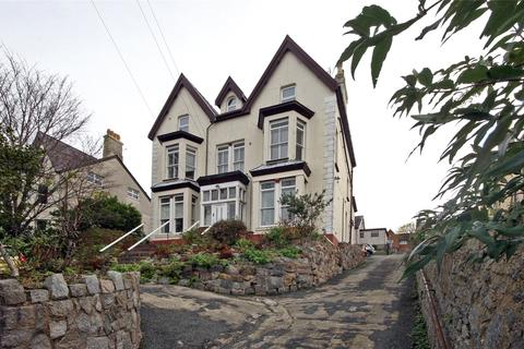 3 bedroom apartment - Gorffwysfa, St. Davids Road, Caernarfon, LL55