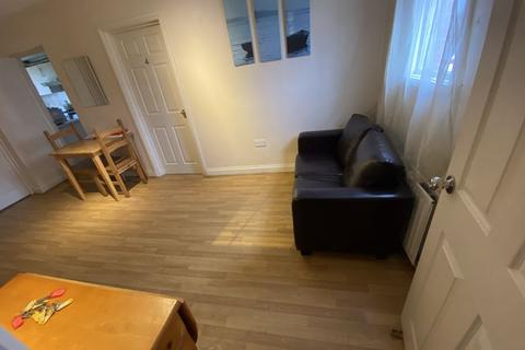 7 bedroom property to rent - PROPERTY REFERENCE 192 - DOUBLE ROOM AVAILABLE NOW.