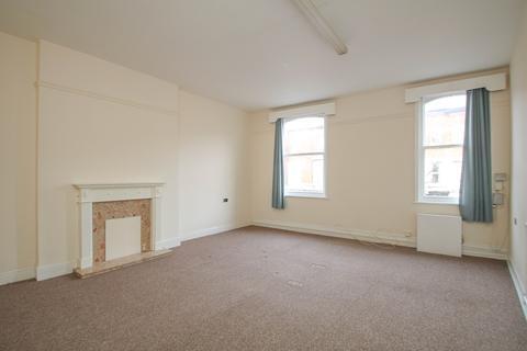 3 bedroom apartment to rent - Northenden Road, Sale, Cheshire, M33