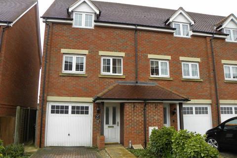 3 bedroom terraced house to rent - Watling Gardens, Dunstable
