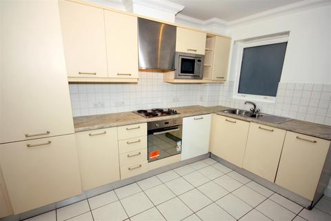 2 bedroom flat to rent - Campbell Road, London