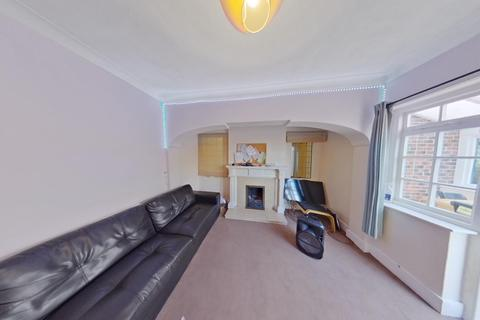 6 bedroom semi-detached house to rent - *£115PPPW *Harlaxton Drive, Nottingham, NG7