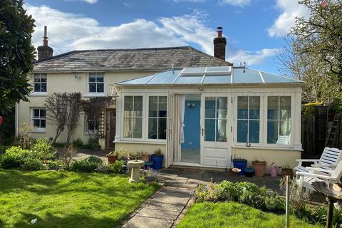 3 bedroom detached house for sale - Wootton Road, Tiptoe, Lymington, SO41