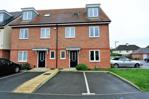 4 bedroom semi-detached house for sale - Holywell Way, Staines-upon-Thames, TW19