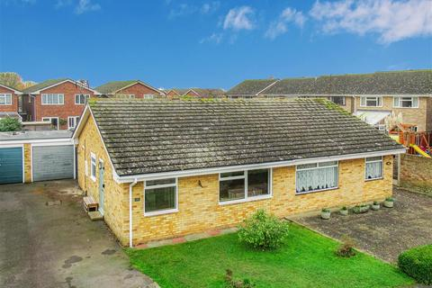 2 bedroom semi-detached bungalow for sale - Lime Way, Burnham-On-Crouch