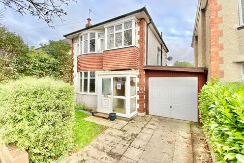 3 bedroom detached house for sale - The Grove, Bournemouth, Dorset, BH9 2TS