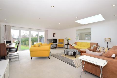 4 bedroom semi-detached bungalow for sale - Chertsey Close, Kenley, Surrey