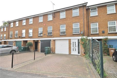3 bedroom terraced house for sale - Plover Close, Staines-upon-Thames, Surrey, TW18