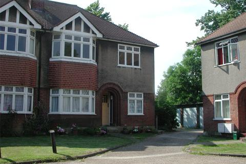 2 bedroom maisonette - Wynaud Court, Palmerston Road, London, N22