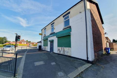Property to rent - Denton Road, Manchester, M34