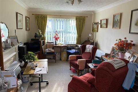 1 bedroom ground floor flat - Pincott Road, Bexleyheath, Kent