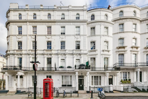 2 bedroom flat to rent - Prince's Square, London, W2