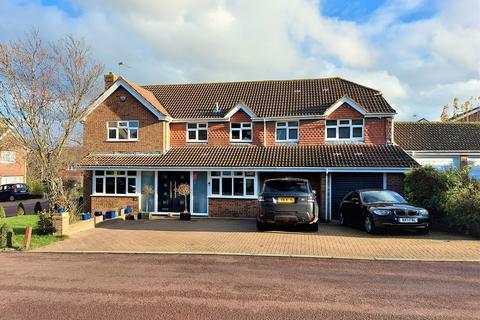 5 bedroom detached house for sale - Jefferson Drive, Kent, ME8