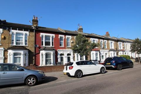 4 bedroom terraced house to rent - SYDNEY ROAD N8