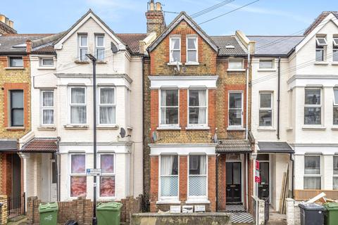 2 bedroom flat for sale - Kenwyn Road, Clapham