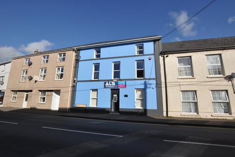 Workshop & retail space to rent - BANK HOUSE, PENTRE ROAD, ST CLEARS, SA33 4AF