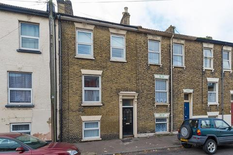 1 bedroom penthouse for sale - Fonblanque Road, Sheerness, Kent, ME12