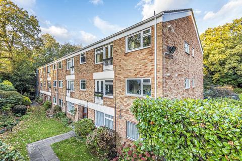 2 bedroom flat for sale - Grasmere Road, Bromley