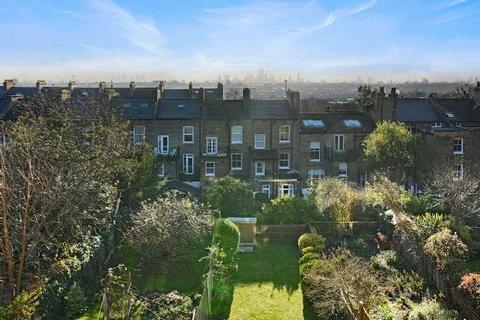 3 bedroom maisonette - DRESDEN ROAD  Whitehall Park N19 3BE