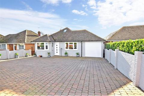 2 bedroom bungalow for sale - Meverall Avenue, Cliffsend, Ramsgate, Kent