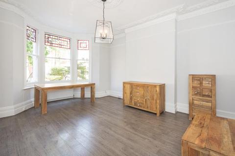 2 bedroom flat for sale - Nassington Road,  Hampstead,  NW3