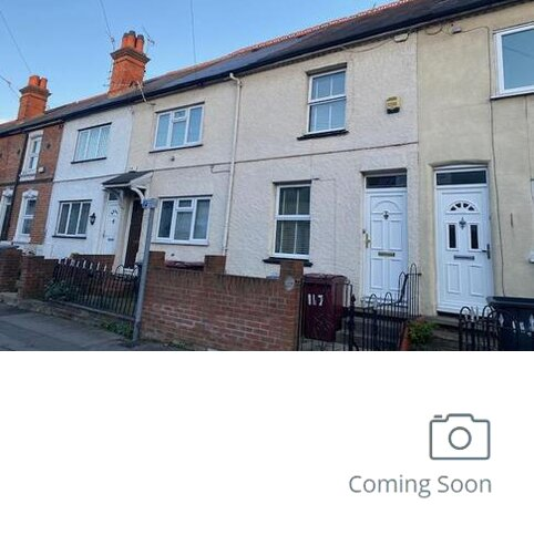 3 bedroom terraced house for sale - Elgar Road,  Reading,  RG2