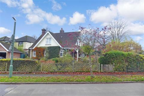 3 bedroom bungalow for sale - Cranborne Avenue, Maidstone, Kent