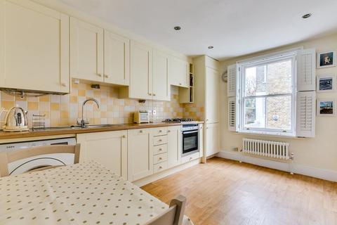2 bedroom flat for sale - Limburg Road, Battersea, London