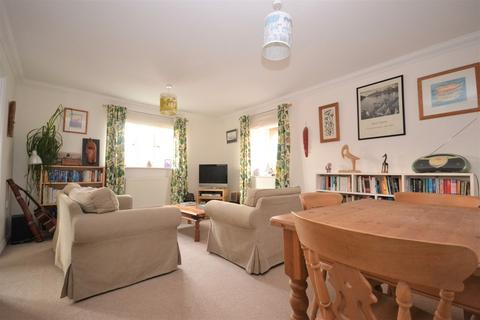 2 bedroom apartment - Robinson Close, Selsey