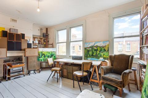 3 bedroom apartment for sale - Hormead Road, London W9