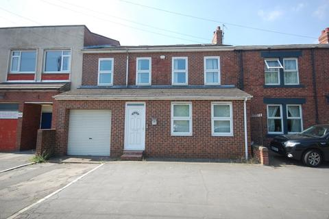 8 bedroom terraced house to rent - Front Street, Framwellgate Moor