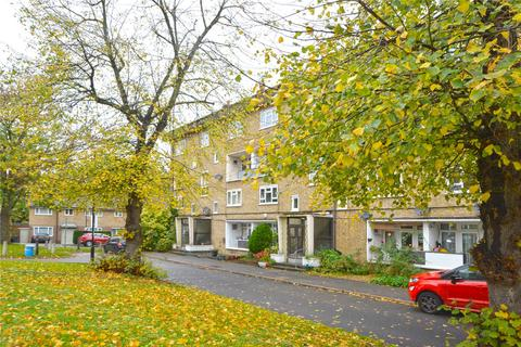 2 bedroom flat for sale - Paynell Court, Lawn Terrace, Blackheath, London, SE3