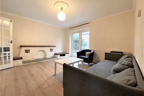 4 bedroom semi-detached house to rent - Finnis Street, Bethnal Green E2
