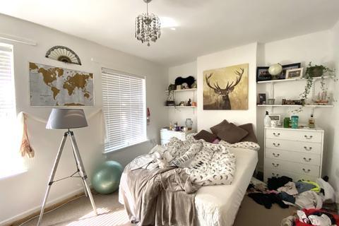 3 bedroom house - Rhymney Street, Cathays, Cardiff