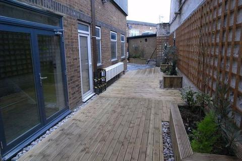 3 bedroom apartment to rent - PROPERTY REFERENCE 195 - Overbury Road, London