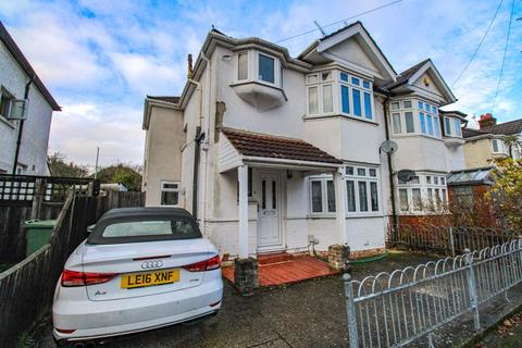 Mixed use to rent - 5 Bed Student House - Merton Road, Southampton