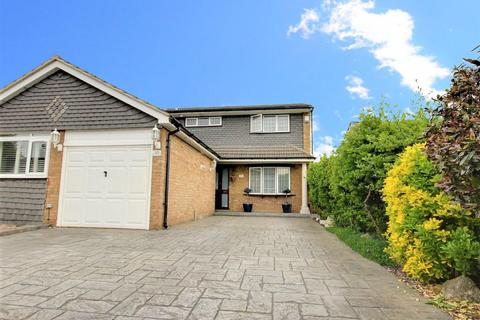 5 bedroom semi-detached house - Lammasmead, Broxbourne