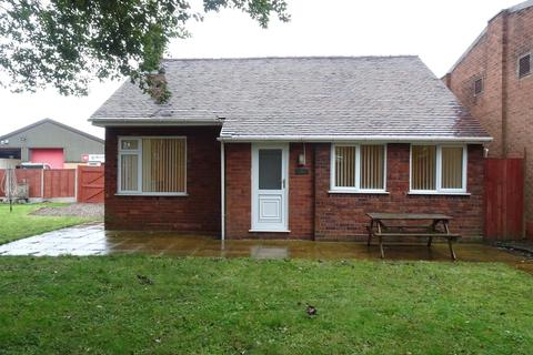 2 bedroom bungalow to rent - Holly Lane, Great Wyrley, Walsall, WS6 6AJ